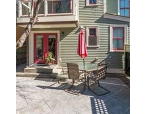 Additional photo for property listing at 31 Williard  Cambridge, Massachusetts 02138 Estados Unidos