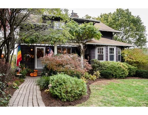 Maison unifamiliale pour l Vente à 9 Upland Road Melrose, Massachusetts 02176 États-Unis