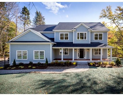 Nhà ở một gia đình vì Bán tại 97 Springs Road Bedford, Massachusetts 01730 Hoa Kỳ