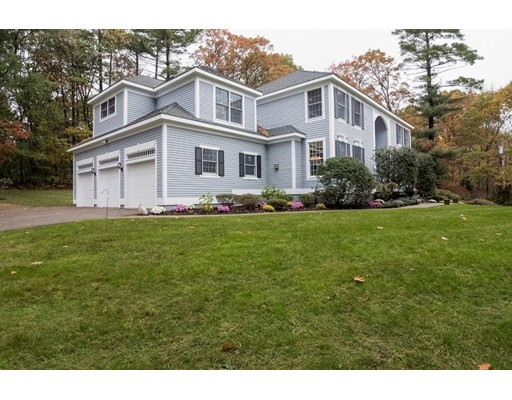 Single Family Home for Sale at 18 Saddlebrook Natick, 01760 United States