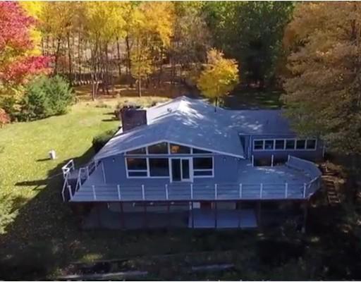 Maison unifamiliale pour l Vente à 2 Set Back Lane Gill, Massachusetts 01354 États-Unis