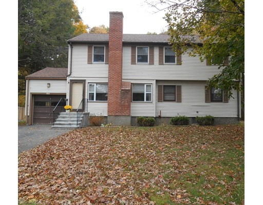 Частный односемейный дом для того Продажа на 137 Spruce Road Norwood, Массачусетс 02062 Соединенные Штаты