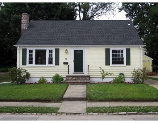 Maison unifamiliale pour l Vente à 72 Mauran Street Cranston, Rhode Island 02910 États-Unis