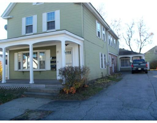 Maison avec plusieurs logements pour l Vente à 11 Birch Street Multi041 Derry, New Hampshire 03038 États-Unis