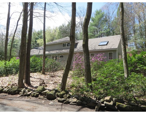Single Family Home for Sale at 48 Peabody Lane Greenfield, Massachusetts 01301 United States