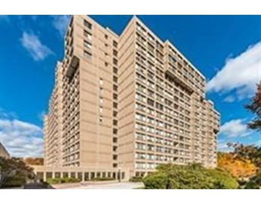 Additional photo for property listing at 250 Hammond Pond Pkwy  牛顿, 马萨诸塞州 02467 美国
