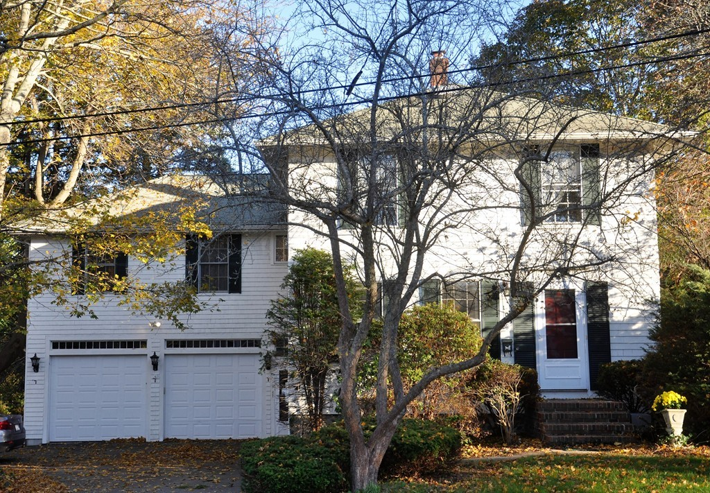 $730,000 - 4Br/3Ba -  for Sale in Hingham