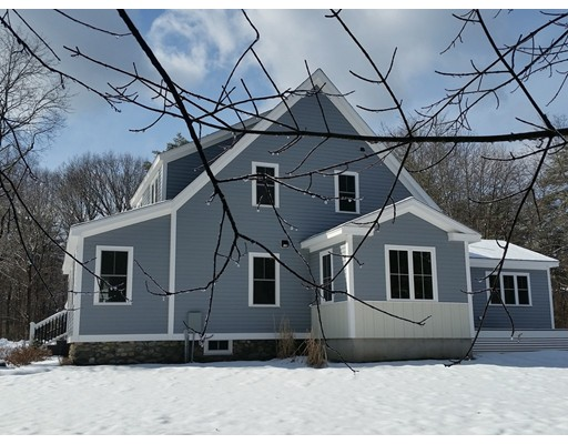 Single Family Home for Sale at 129 East Street 129 East Street Carlisle, Massachusetts 01741 United States