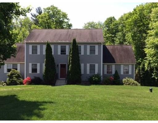 Maison unifamiliale pour l Vente à 42 Nandina Drive Tyngsborough, Massachusetts 01879 États-Unis