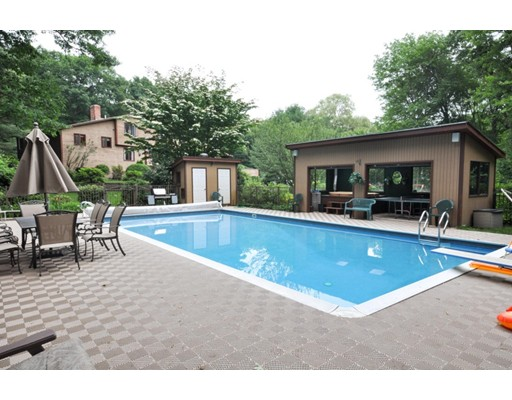 Single Family Home for Sale at 29 Pine Ridge Road Stow, Massachusetts 01775 United States
