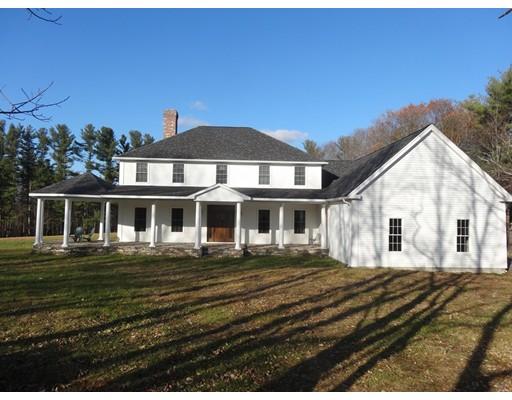 Casa Unifamiliar por un Venta en 20 E Baylies Road Charlton, Massachusetts 01507 Estados Unidos