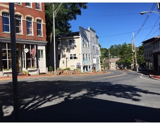 Коммерческий для того Аренда на 19 Elm Street 19 Elm Street Amesbury, Массачусетс 01913 Соединенные Штаты
