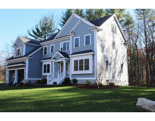 Nhà ở một gia đình vì Bán tại 1 Russett Road Bedford, Massachusetts 01730 Hoa Kỳ