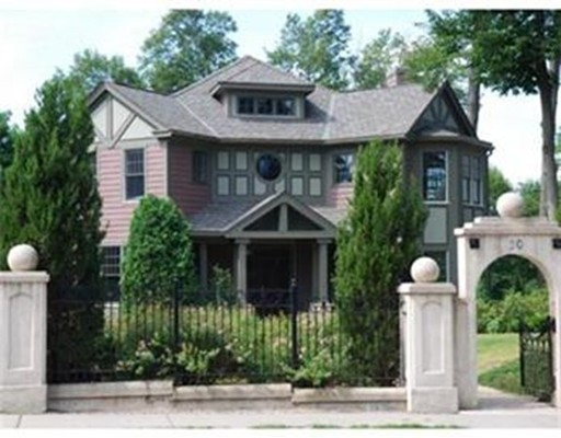 Casa Unifamiliar por un Alquiler en 20 Washington Street Newton, Massachusetts 02458 Estados Unidos