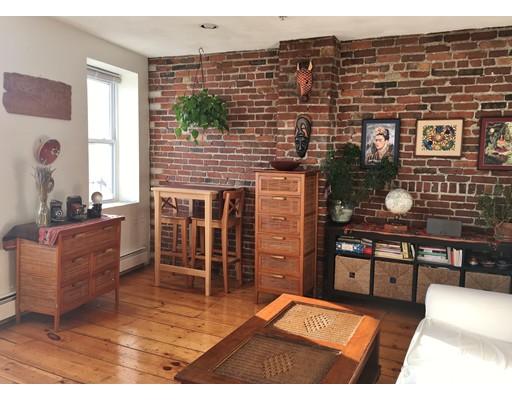 Casa Unifamiliar por un Alquiler en 45 Fleet Street Boston, Massachusetts 02109 Estados Unidos