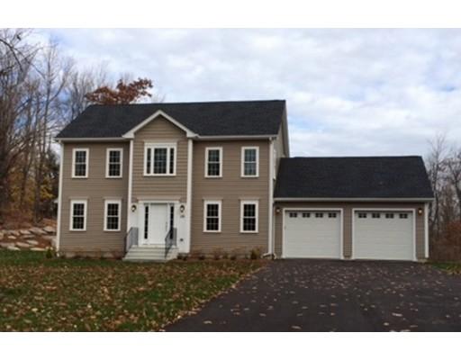واحد منزل الأسرة للـ Sale في 1 Forest Hill 1 Forest Hill Oakham, Massachusetts 01068 United States