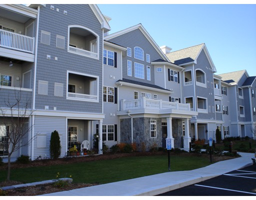 Additional photo for property listing at 511 Washington Street  Hanover, Massachusetts 02339 United States