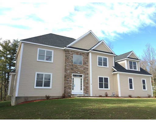Single Family Home for Sale at 5 Ammidon Road Mendon, Massachusetts 01756 United States