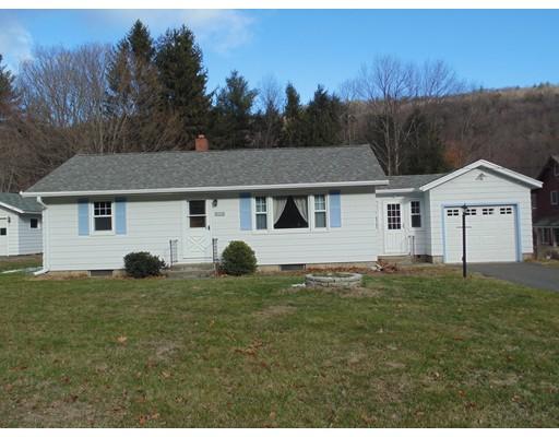 واحد منزل الأسرة للـ Sale في 404 Huntington Road Chester, Massachusetts 01011 United States