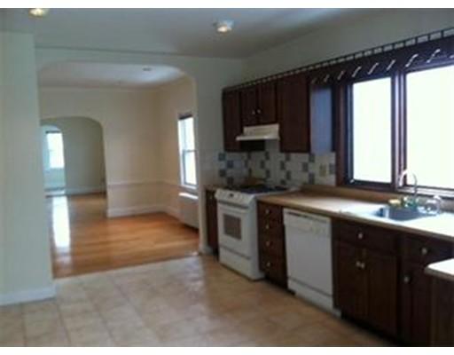 独户住宅 为 出租 在 12 Pinehurst Street 波士顿, 马萨诸塞州 02131 美国
