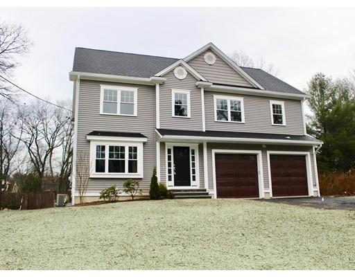 Maison unifamiliale pour l Vente à 29 Houlton Street Bedford, Massachusetts 01730 États-Unis