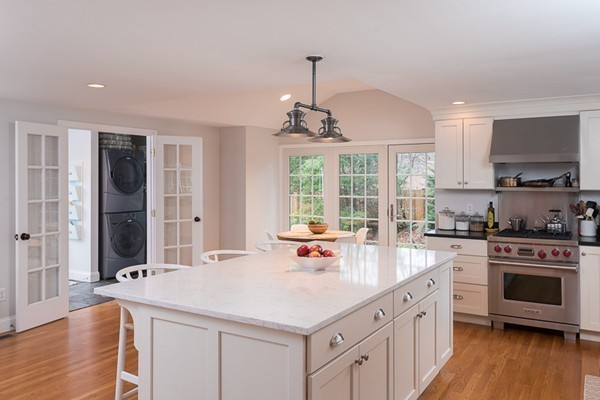 $1,079,000 - 4Br/3Ba -  for Sale in Hingham