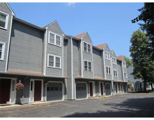 独户住宅 为 出租 在 25 Juniper Street Lowell, 01852 美国