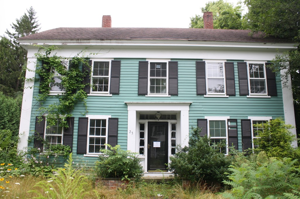 Property for sale at 23 West St, Petersham,  MA 01366