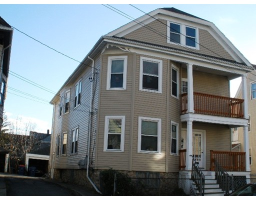 152 Holly St, New Bedford, MA 02746