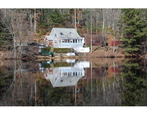 Casa Unifamiliar por un Venta en 4 Brooks Pond Way North Brookfield, Massachusetts 01535 Estados Unidos
