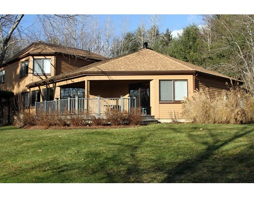 Частный односемейный дом для того Продажа на 19 Hawthorne Stockbridge, Массачусетс 01262 Соединенные Штаты