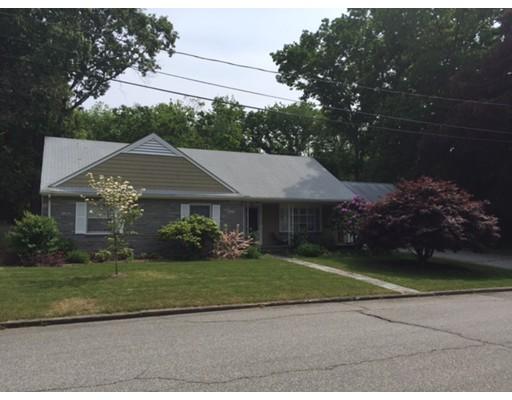 独户住宅 为 销售 在 150 Naushon Road Pawtucket, 罗得岛 02861 美国