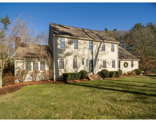 Maison unifamiliale pour l Vente à 18 Jameson Court Mansfield, Massachusetts 02048 États-Unis