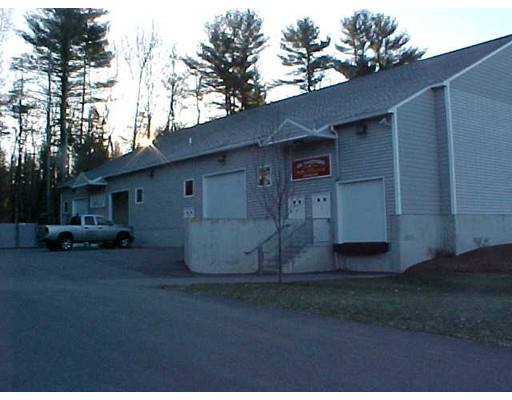 Commercial for Rent at 195 Robinson Road 195 Robinson Road Hudson, New Hampshire 03051 United States