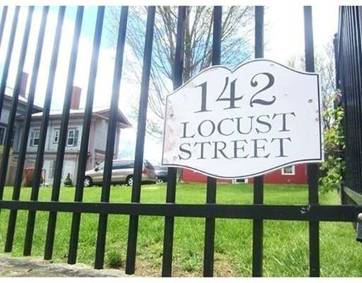 Maison unifamiliale pour l Vente à 142 Locust Street Danvers, Massachusetts 01923 États-Unis