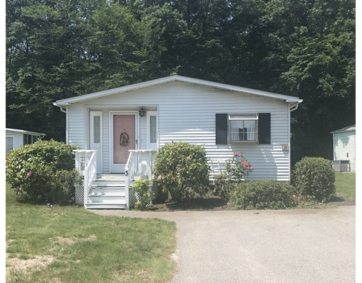 Single Family Home for Sale at 3 Baywood Street Rockland, Massachusetts 02370 United States