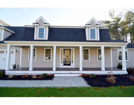 Single Family Home for Sale at 8 Wood Hollow Way Hanover, Massachusetts 02339 United States