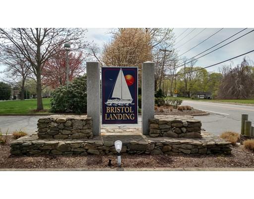 Appartement en copropriété pour l Vente à 4 Leyland Court Bristol, Rhode Island 02809 États-Unis