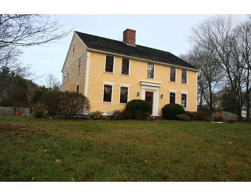 Single Family Home for Sale at 215 Old Main Lakeville, Massachusetts 02347 United States