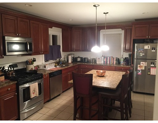 Additional photo for property listing at 851 South Street  Boston, Massachusetts 02131 Estados Unidos