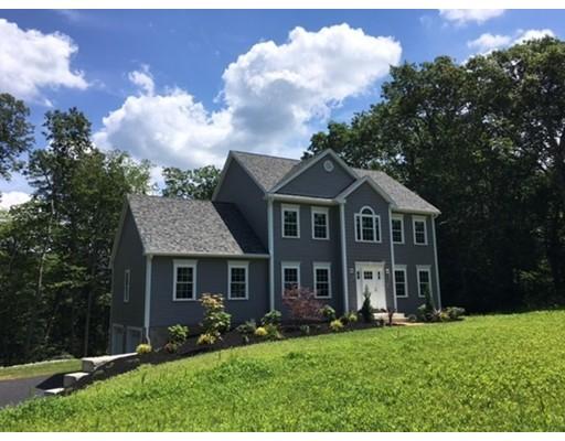 واحد منزل الأسرة للـ Sale في 37 Crowningshield Drive Paxton, Massachusetts 01612 United States