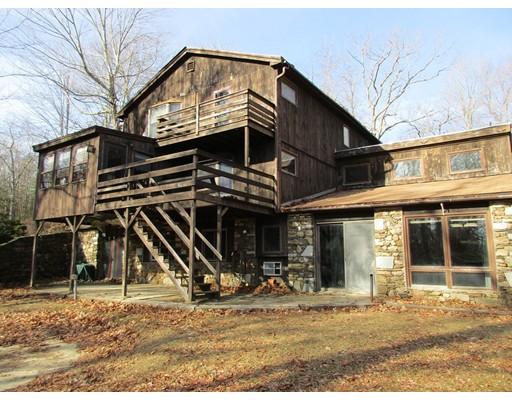 Частный односемейный дом для того Продажа на 481 Leadmine Road 481 Leadmine Road Sturbridge, Массачусетс 01566 Соединенные Штаты