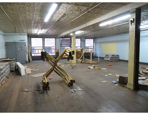 Commercial for Rent at 18 Oxford Street 18 Oxford Street Boston, Massachusetts 02111 United States
