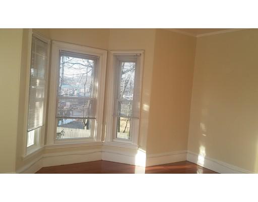 Casa Unifamiliar por un Alquiler en 77 Hartford street Newton, Massachusetts 02461 Estados Unidos