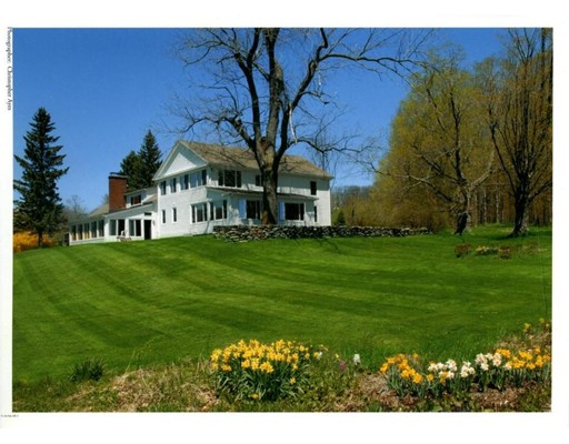 Casa Unifamiliar por un Venta en 633 Northwest Hill Road Williamstown, Massachusetts 01267 Estados Unidos