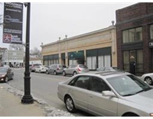 Коммерческий для того Аренда на 77 E. Merrimack 77 E. Merrimack Lowell, Массачусетс 01852 Соединенные Штаты