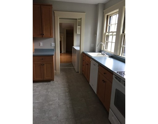 Additional photo for property listing at 34 Weston Road  Middletown, Rhode Island 02842 Estados Unidos
