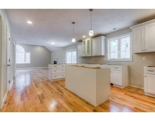 独户住宅 为 销售 在 137 Londonderry Road 温厄姆, 新罕布什尔州 03087 美国