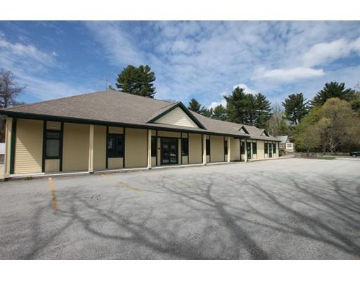 Commercial pour l Vente à 163 West Main Street Dudley, Massachusetts 01571 États-Unis
