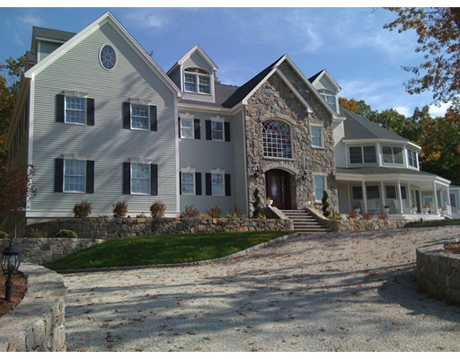 Casa Unifamiliar por un Venta en 20 Royal Steed Court Uxbridge, Massachusetts 01569 Estados Unidos